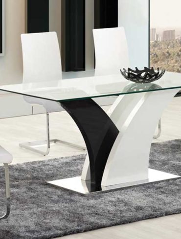 White and black modern table, chrome base and clear glass top with 4 chairs